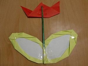 B 折り紙で作る簡単なお花を父の日のプレゼントにしよう_html_76fd7959