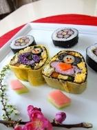 ひな祭りパーティー向け★お雛様&お花のデコ巻き寿司レシピ
